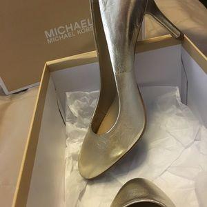 Michael Kors Flex Pump 6.5 heels